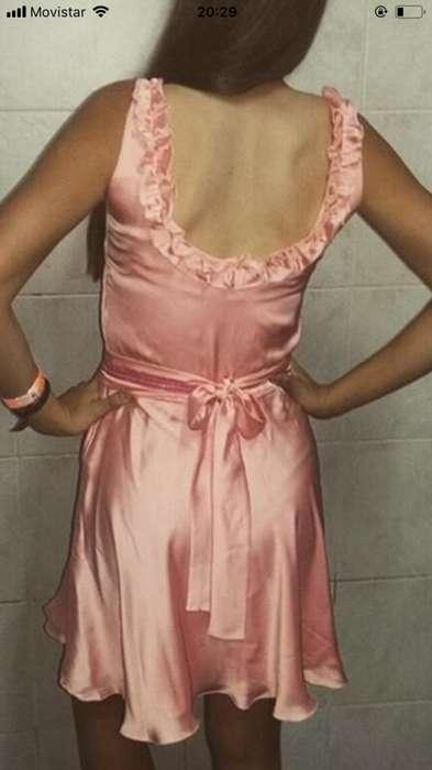 Vendo vestido rosa corto 1 solo uso