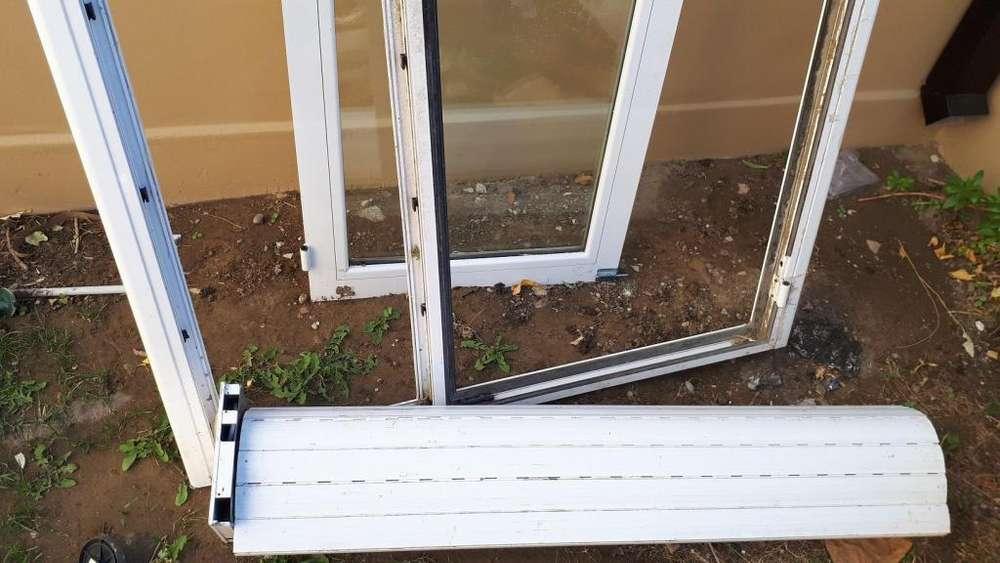 Puerta ventana DVH y persiana eléctrica de <strong>aluminio</strong>