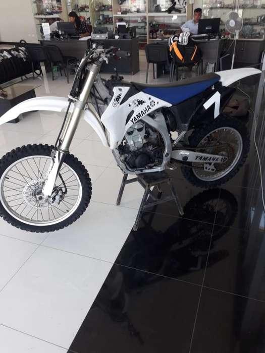 Moto Yamaha Motocross