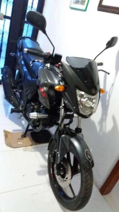 Moto <strong>yamaha</strong> Szr 150