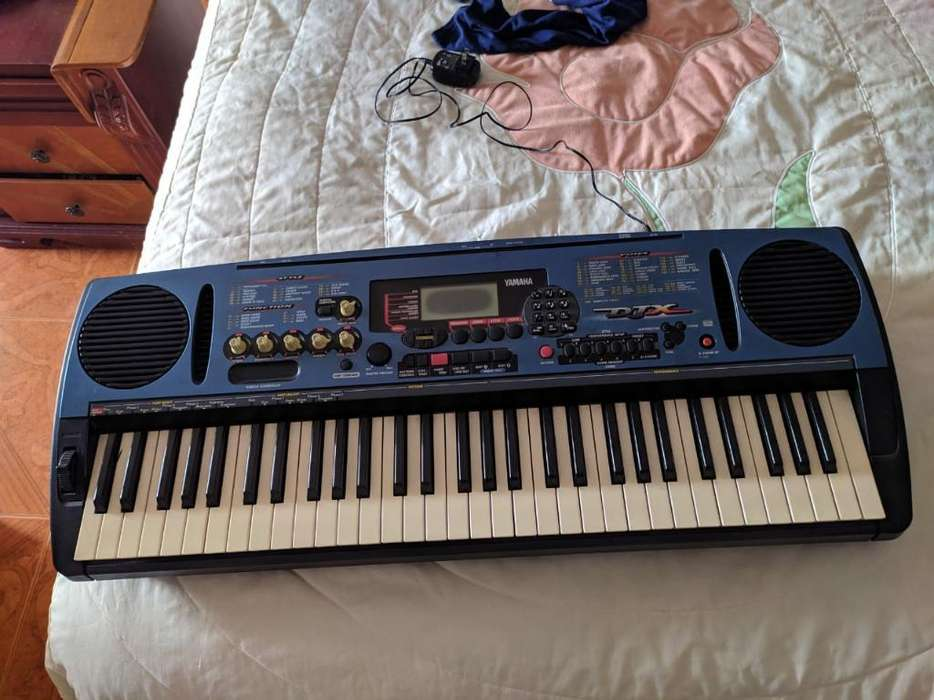 Piano Yamaha Djx