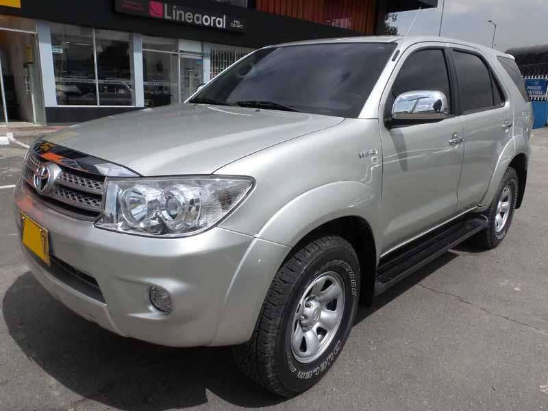Toyota Fortuner 2011 - 104300 km