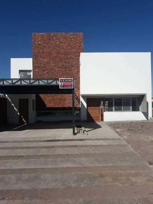 Venta Casa 3 dorm B Santina Norte
