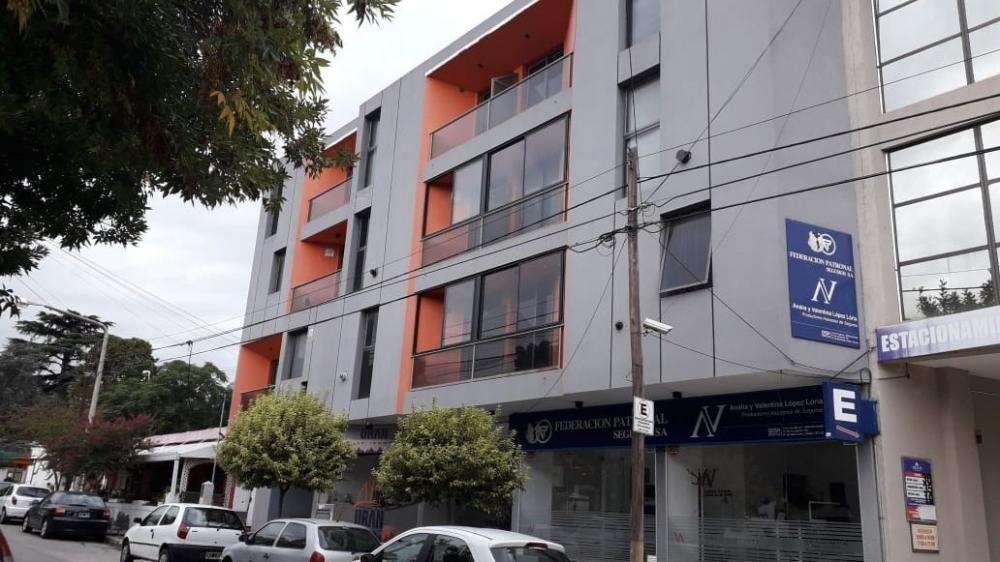 eh66 - Departamento para 2 a 4 personas con pileta y cochera en Villa Carlos Paz
