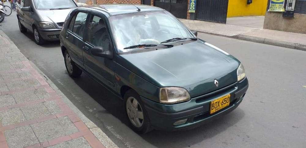 Renault Clio  1999 - 120 km