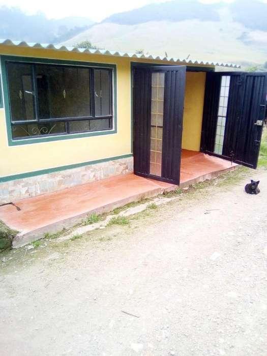 Se vende casa a 7 minutos de la via Facatativa - Rosal. Zona Rural. Campo. Cel. 3112175503 CITA PREVIA.