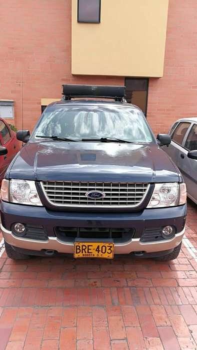 Ford Explorer 2005 - 233000 km
