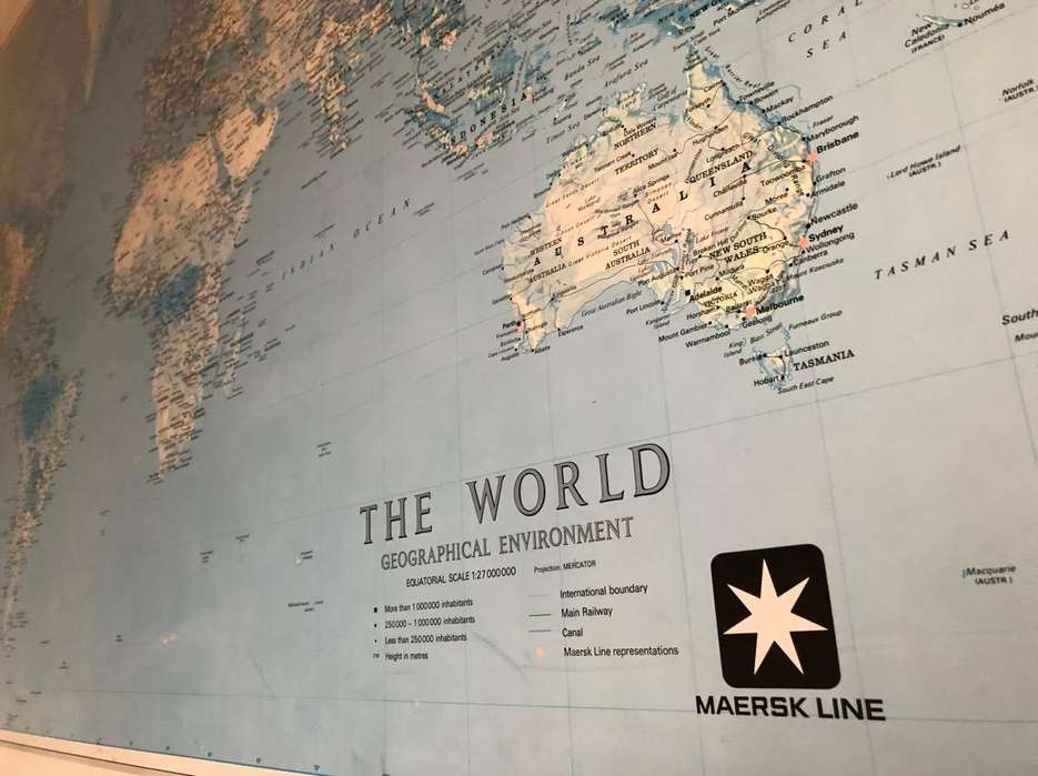 Cuadro Mapamundi Político Canvas Maersk Line 161X116Cm