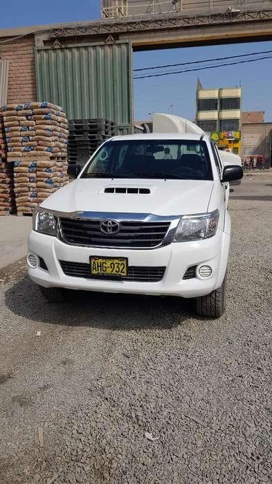 Toyota Hilux 2015 - 112000 km