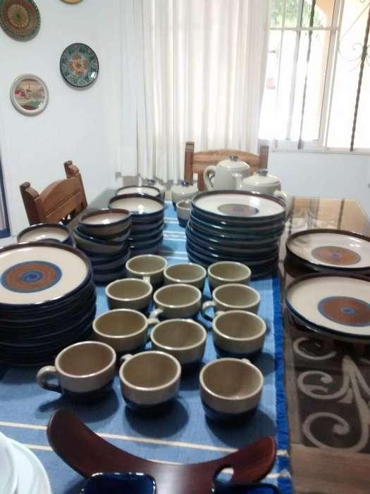 Vajilla mexicana en barro elegante con lindos colores marrón y azul marino (usada)