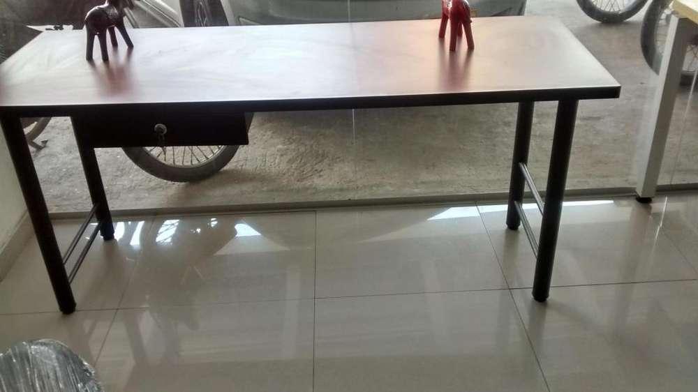 <strong>escritorio</strong> De 120 x 60 con gaveta lapicero