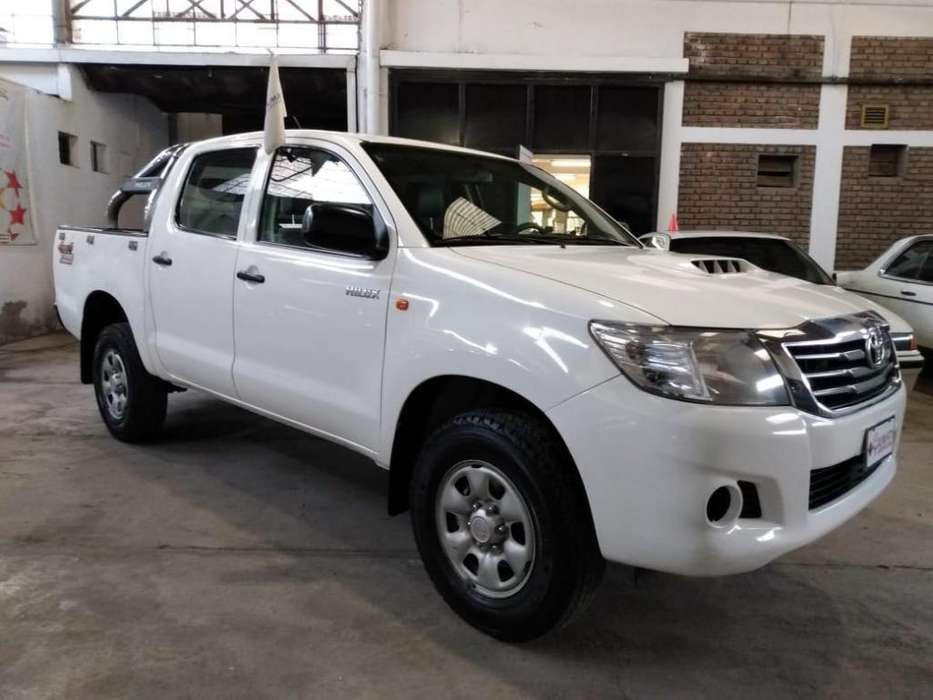 Toyota Hilux 2013 - 141000 km