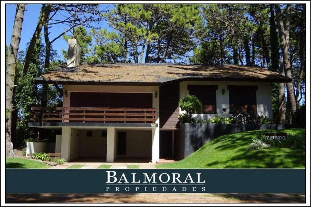 Ref: 8160 - Casa en Alquiler - Chalet - Pinamar, Zona Lasalle