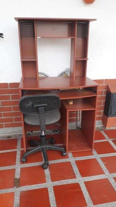 <strong>escritorio</strong> en Buen Estado