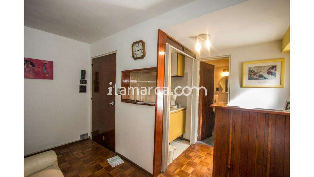 Belgrano  200 - UD 42.000 - Oficina en Venta