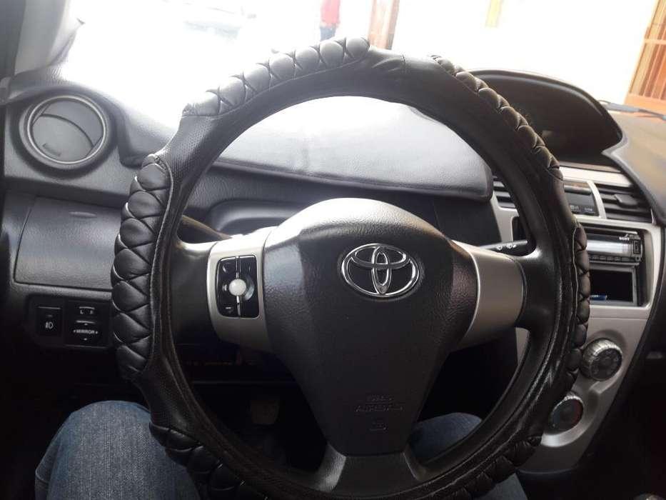 Toyota Yaris 2011 - 0 km