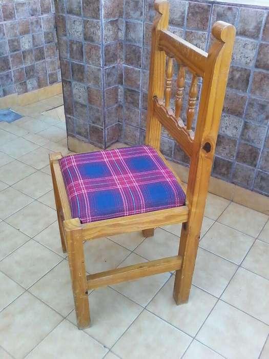 2 <strong>silla</strong>s de Pino Barnizada.