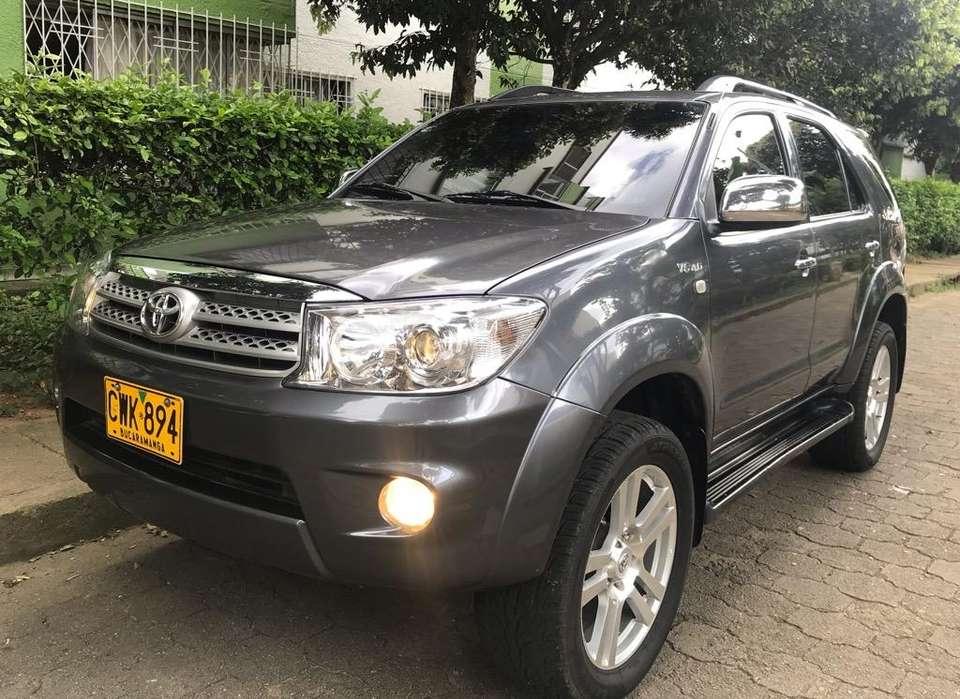 Toyota Fortuner 2008 - 98000 km