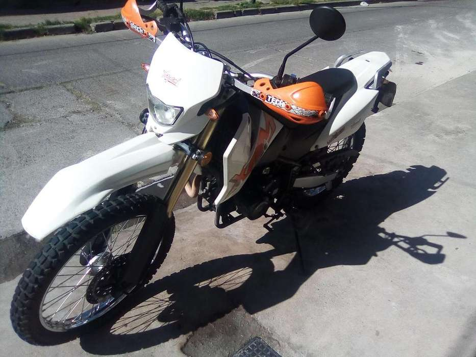 XMM 250 impecable.