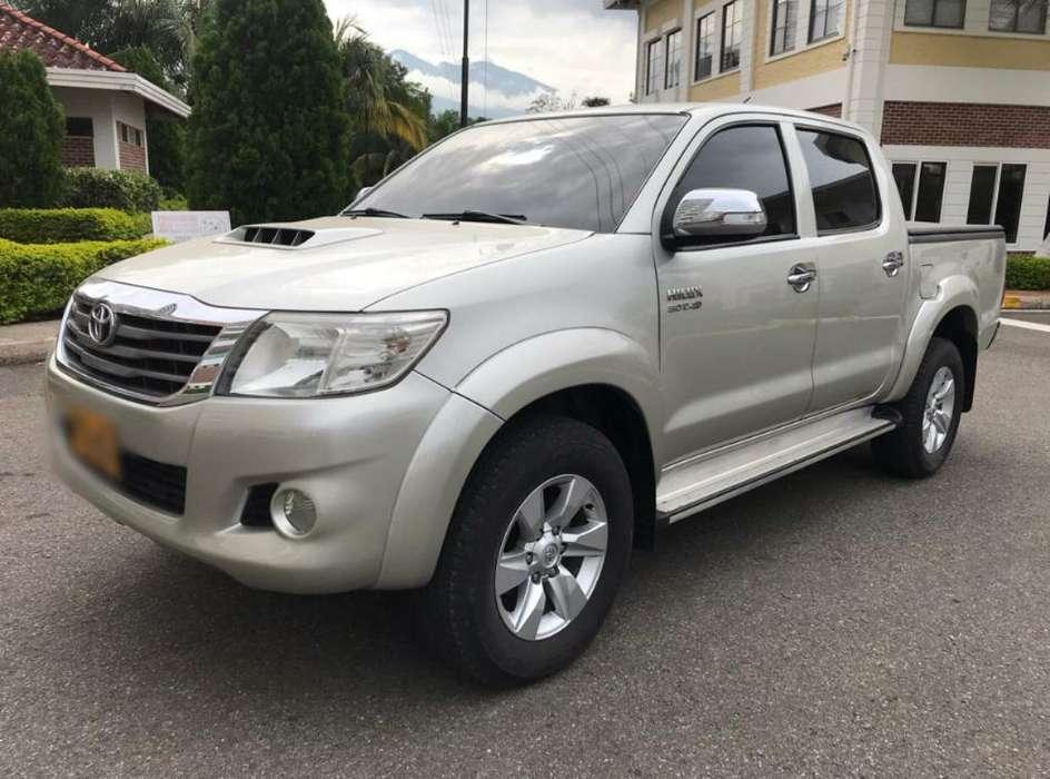 Toyota Hilux 2013 - 65000 km
