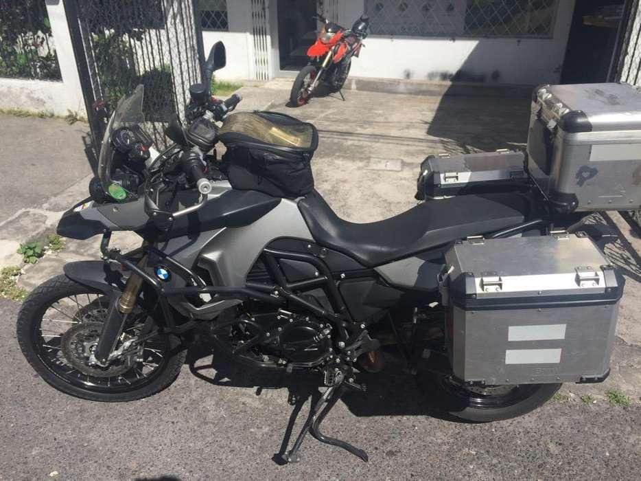 Moto Bmw 800Gs año 2012 FULL EQUIPO