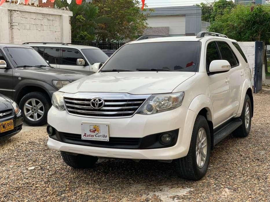 Toyota Fortuner 2014 - 70000 km