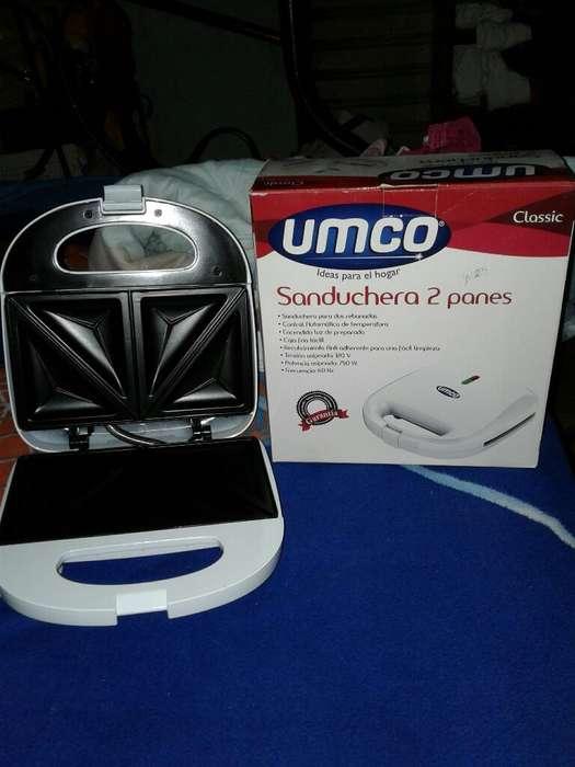 Sanduchera Umco