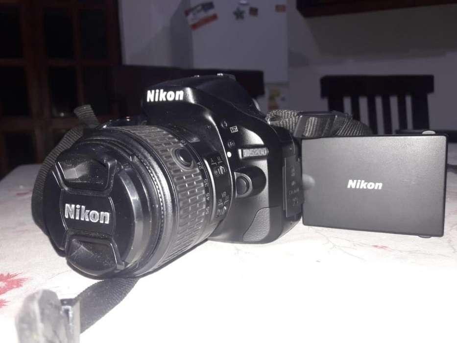 Vendo Camara Nikon D5200 Impecable!