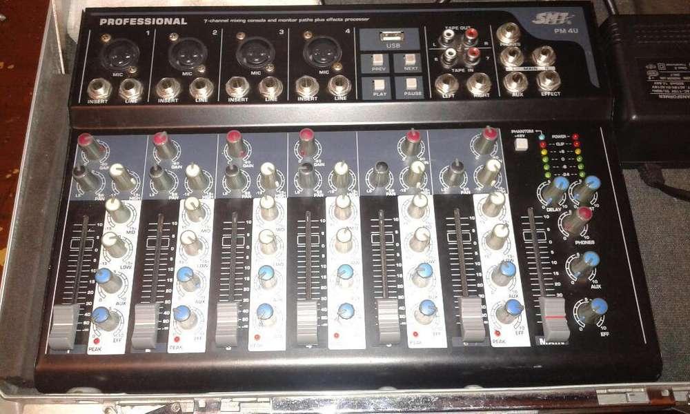 Consola de Sonido de 4 Micrófonos Muy Bu