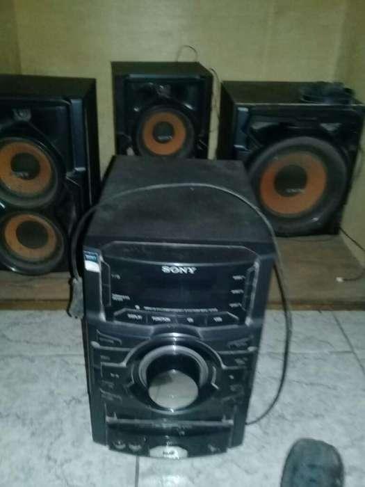 Vendo Equipo de Audio Sony