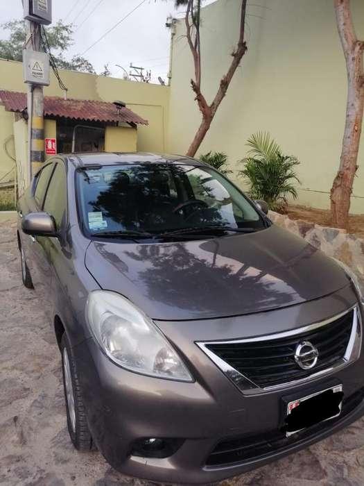 Nissan Versa 2013 - 95000 km