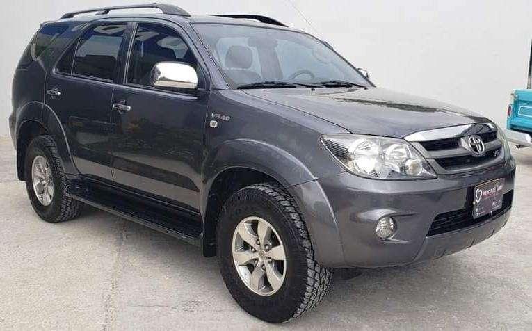 Toyota Fortuner 2008 - 105000 km