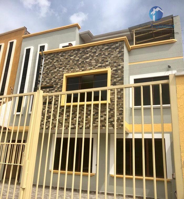 Casa Rentera de 3 departamentos Sector Ciudadela La Catolica