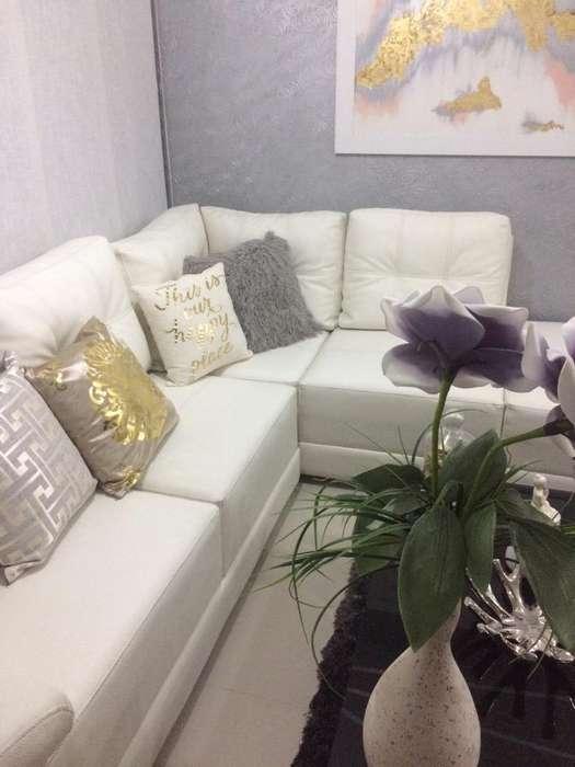 Se Vende Sofa en L Blanco