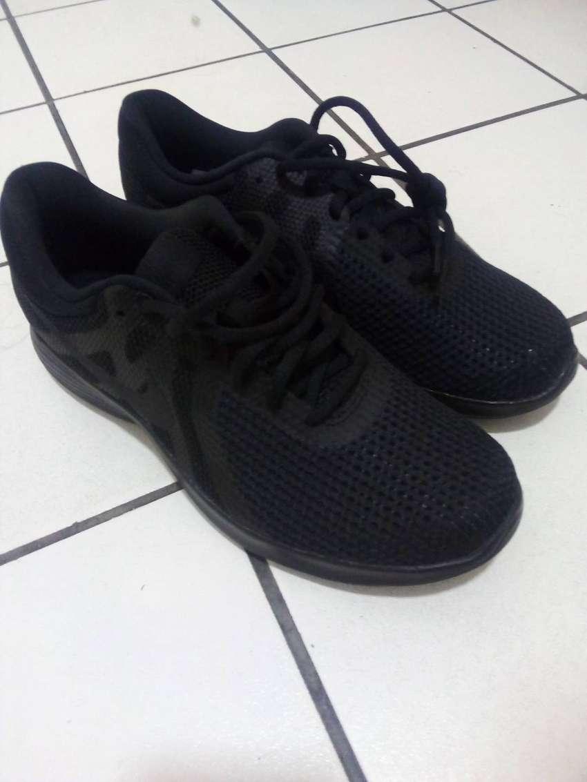 zapatillas nike revolution hombre