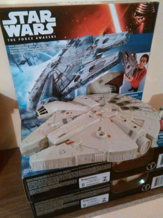 Star Wars naves, Halcon Milenario.
