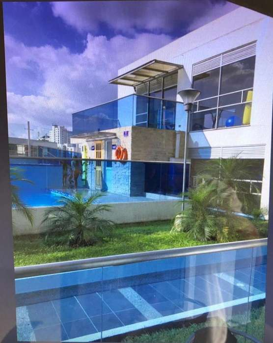 Vendo Apartamento APT-027 de 125 metros2 Pinares Pereira