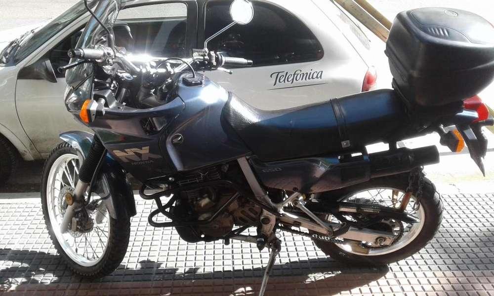 Vendo Honda NX con 32000 Km reales
