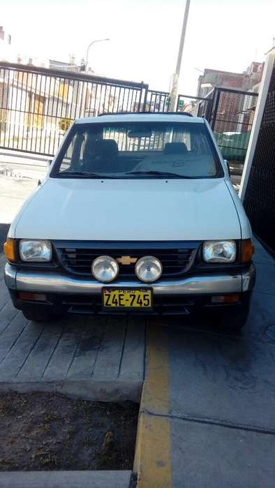 Chevrolet Luv 1996 - 200000 km