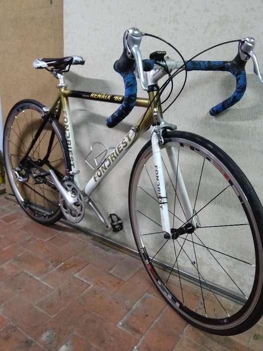 Bici de Ruta en Aluminio, Grupo Sora .