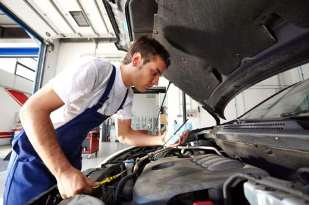 Busco Mecanico de Auto para Revisión