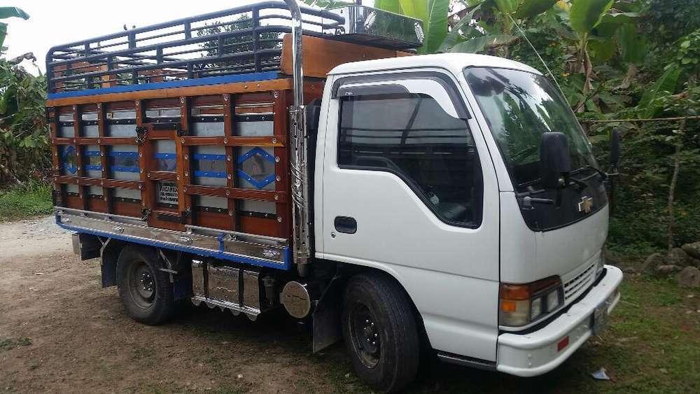 Camion Nhr 2002