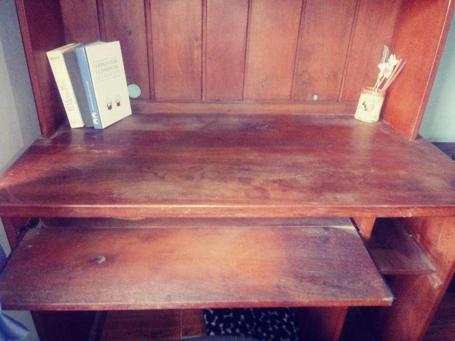 <strong>escritorio</strong> con Alzada Algarrobo