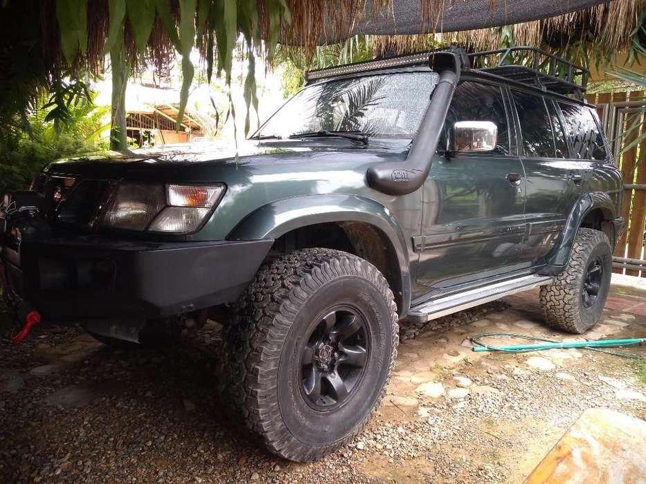 Nissan Patrol  1999 - 248000 km