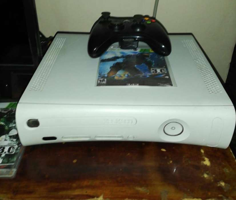 Vendo consola Xbox 360 Árcade 3.0