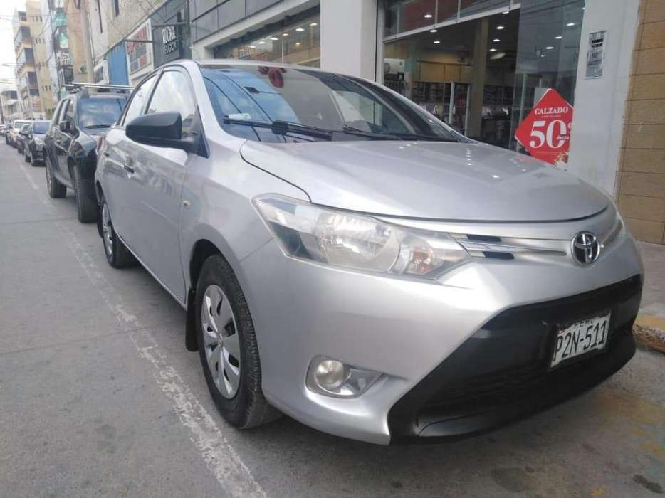 Toyota Yaris 2014 - 90000 km