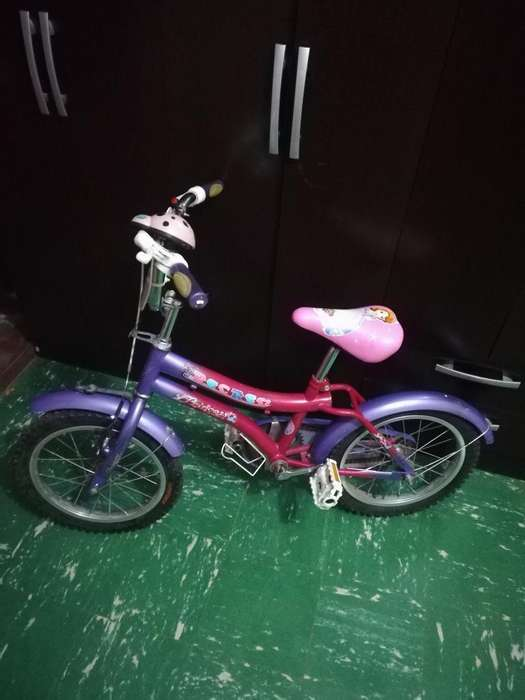 Bicicleta para Niña Semi Nueva.