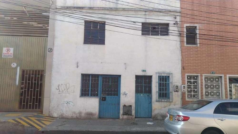 Vendo Casa Lote / bodega o comercio Barrio Olaya