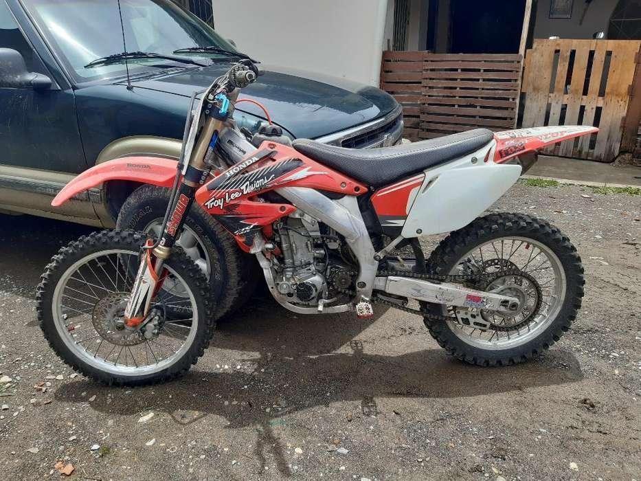 Moto <strong>honda</strong> 2500 de Cros