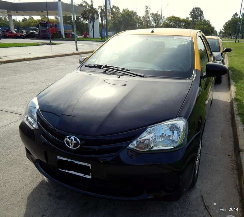 Toyota Etios 2014 - 125000 km